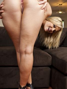 Pictures of Alexis Texas stripping and bends over