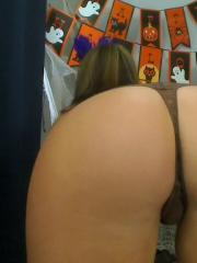 Sweet webcam model Victoria inviting you to her private Halloween masquerade