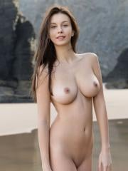 Femjoy's Alisa I in A Perfect Day