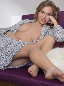 Vika P in Come To Bed