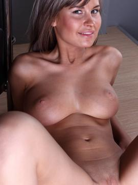 Free naked secretary pictures