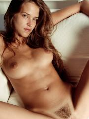PIctures of Simona totally naked and spreading for you