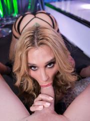 Alt babe Sarah Jessie works the stripper pole and then gives a blowjob