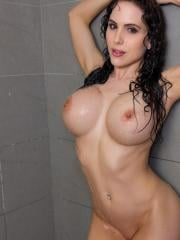 Busty hottie Katie Banks wants you to come take a hot shower with her