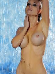 Blonde babe Kayden Kross gets all wet and wild for you