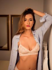 """Lara Kole teases you with her hot body in """"All I Want"""""""