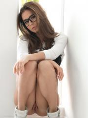 Teen hottie LIly Chey teases in her underwear and glasses