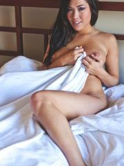 Pictures of asian girl London Keyes naked and waiting for you in bed