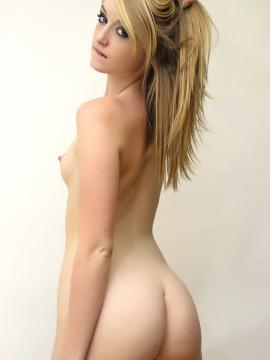 Pictures of Mandy getting naked in the studio