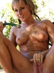 Pictures of Melissa Matters getting really wet for you