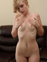 Petite hippie Mandy Roe gets naked for the camera