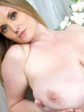 Maria Body gets wet and soapy