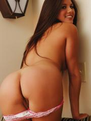 Shyla Jennings gets a lil turned on by Diddy and starts stripping