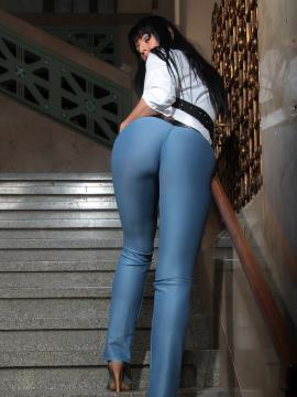 Slinky Cheeks bends over in tight pants