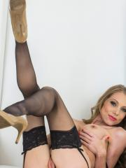 Shawna Lenee rides her fingers deep in her so hard