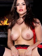 Sunny Leone celebrates Christmas eve with her fingers jammed in her slit