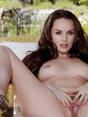 Tori Black gets aroused from massaging her pussy
